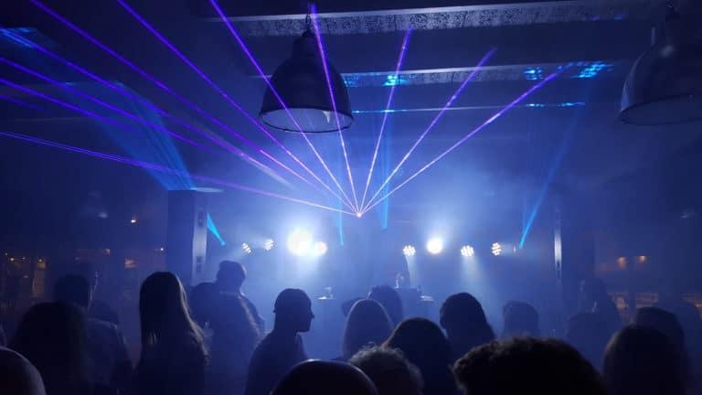 Laser show met Co2 gun