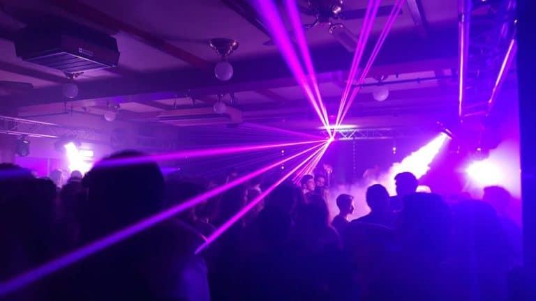 lasershow met geyser rookmachine