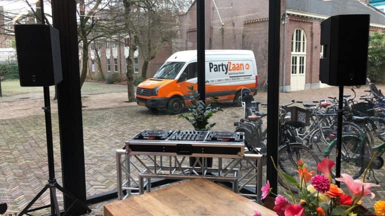 Speakers DJ set truss booth huren